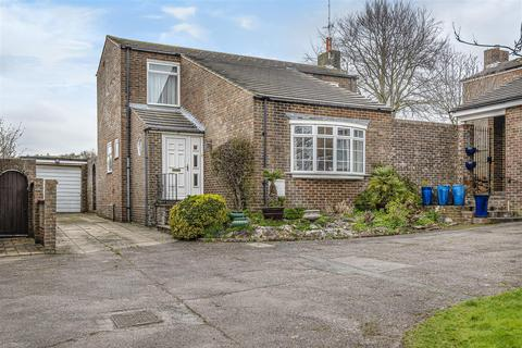 3 bedroom detached house for sale - Lesser Foxholes, Shoreham-By-Sea