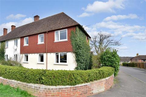 3 bedroom semi-detached house for sale - Trench Road, Tonbridge, Kent