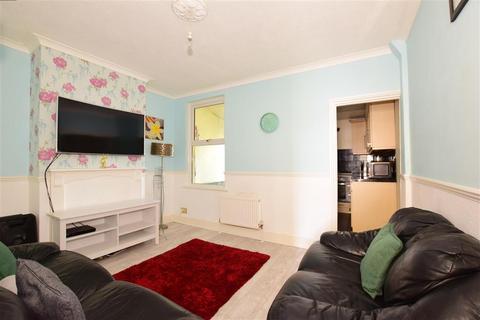 2 bedroom terraced house for sale - Gordon Road, Chatham, Kent