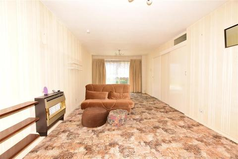 3 bedroom terraced house for sale - Manston Way, Hornchurch, Essex