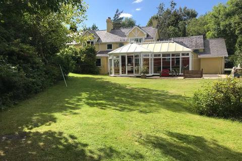 5 bedroom detached house for sale - Rhos Uchaf, Llandygai, Bangor