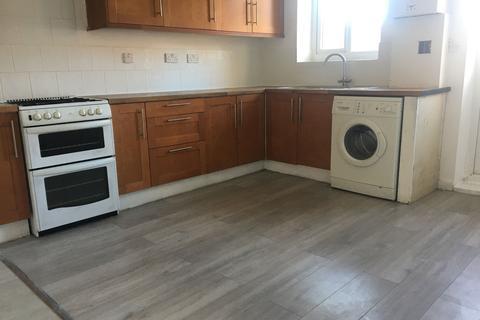 5 bedroom terraced house to rent - Becontree Avenue, Dagenham, Essex, RM8