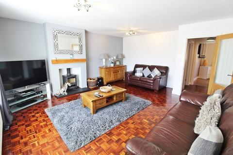 2 bedroom bungalow for sale - Rhyd Y Nant, Pontyclun, Rhondda, Cynon, Taff. CF72 9HE