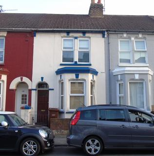 3 bedroom terraced house - Livingstone Road  ME7