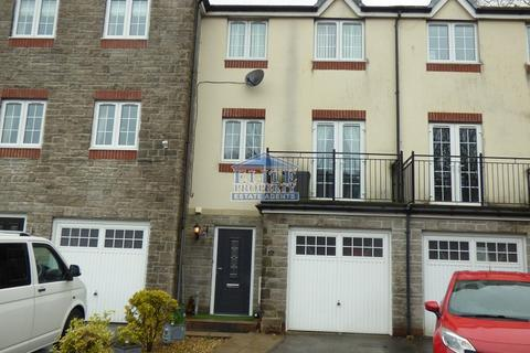3 bedroom townhouse for sale - Cwrt Tynewydd, Ogmore Vale, Bridgend County. CF32 7DJ