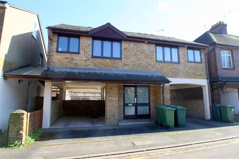 1 bedroom flat for sale - George Street, STAINES-UPON-THAMES, Surrey