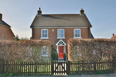 4 bedroom detached house for sale - Taylor Drive, Throop Village, Bournemouth