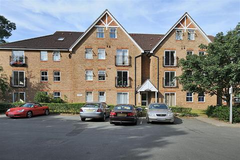 2 bedroom flat to rent - Burghley Hall Close, SW19