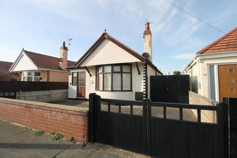 2 bedroom detached bungalow for sale - Ridgeway Avenue, Rhyl