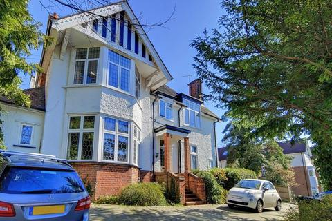 3 bedroom apartment to rent - Russell Hill, West Purley