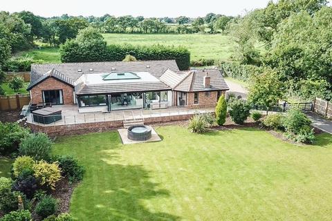 5 bedroom detached bungalow for sale - Oakfields, Runshaw Lane, Euxton, PR7 6EY