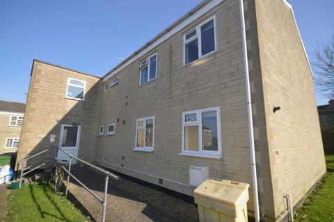 2 bedroom flat to rent - Meadow Close