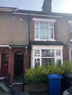 4 bedroom house to rent - Neville Street