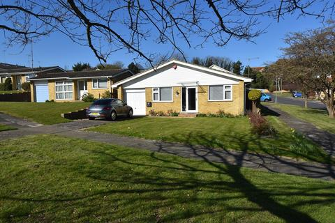 3 bedroom detached bungalow for sale - Colburn Road, Broadstairs, CT10