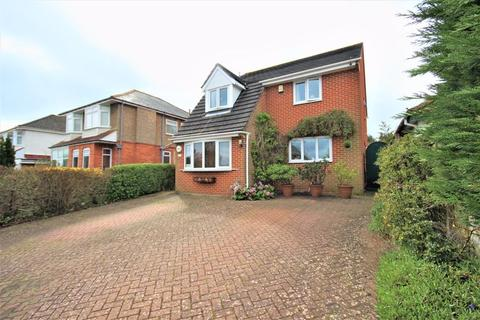 4 bedroom detached house for sale - Waltham Road, Boscombe East, Bournemouth