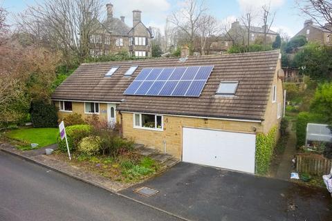 3 bedroom detached bungalow for sale - Barnsley Beck Grove, Baildon, Shipley