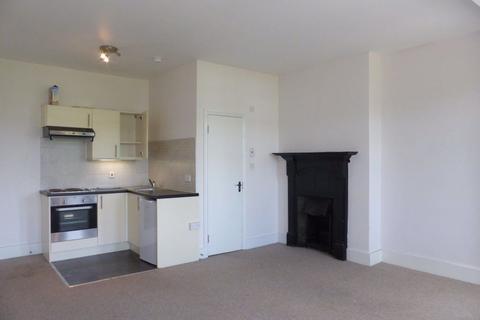 Studio to rent - York Avenue - P1026