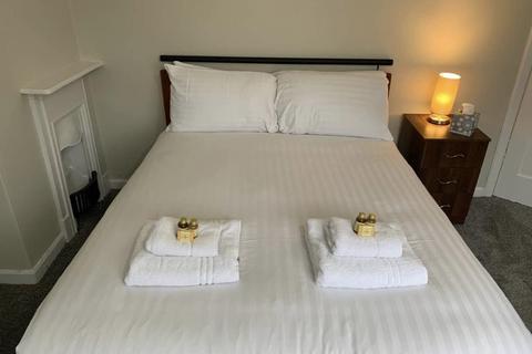 2 bedroom house to rent - 10 Anslow Avenue,  Beeston, Nottingham