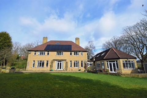 5 bedroom detached house for sale - Corby, Birkby Road, Huddersfield, HD2 2DR