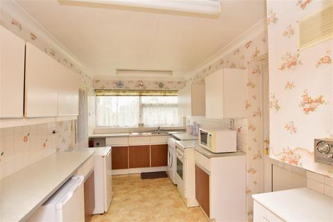 4 bedroom detached house for sale - Eastchurch Road, Palm Bay, Margate, Kent