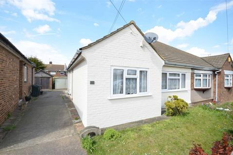 2 bedroom bungalow to rent - Gore Road, Dartford, DA2