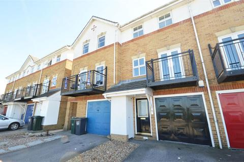 3 bedroom terraced house to rent - Sara Crescent, Greenhithe, DA9