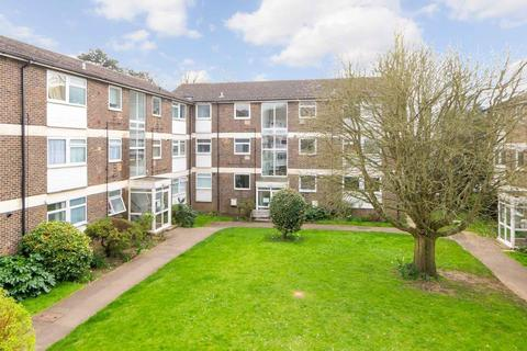 2 bedroom apartment for sale - Pine Lodge, Tonbridge Road, Maidstone, ME16