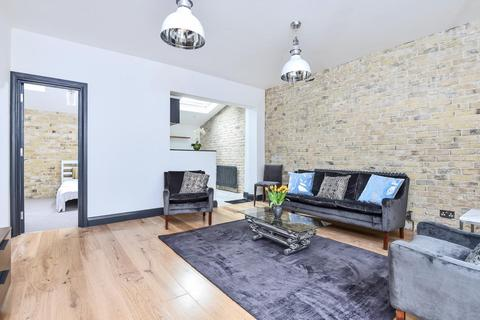 2 bedroom terraced house for sale - Devonshire Mews, Chiswick