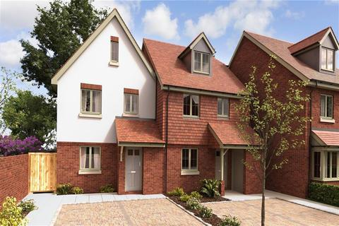 3 bedroom semi-detached house for sale - Wallis Mews, De La Warr Road, East Grinstead, West Sussex