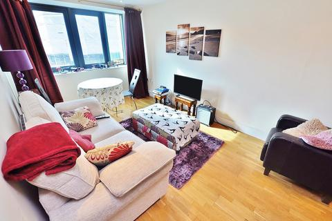1 bedroom apartment for sale - Close, Newcastle Upon Tyne