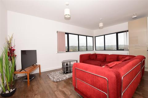 1 bedroom flat for sale - Fishermans Beach, Hythe, Kent