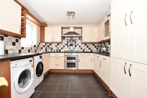 3 bedroom end of terrace house - Morris Close, Boughton Monchelsea, Maidstone, Kent