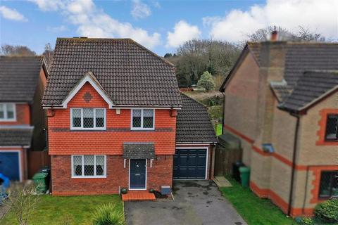 4 bedroom detached house for sale - Adbert Drive, East Farleigh, Maidstone, Kent