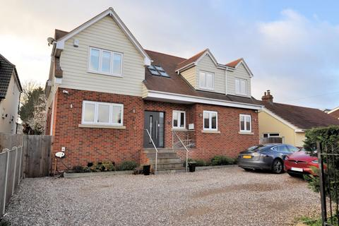 5 bedroom detached house for sale - Wraysbury, Berkshire