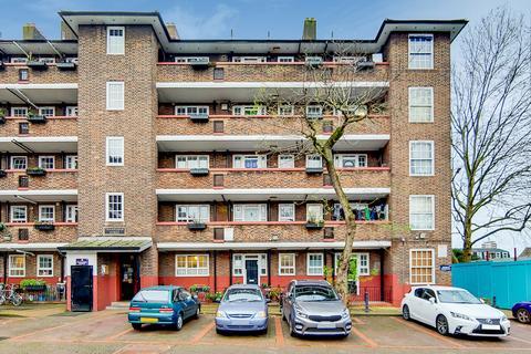 2 bedroom flat to rent - Frankham House, Frankham Street, London, se8