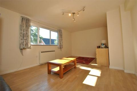 2 bedroom flat to rent - Hereford Road, W3