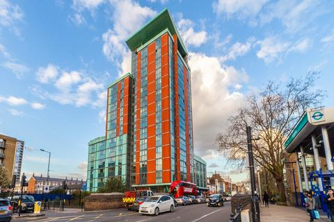 2 bedroom apartment for sale - East India Dock Road, London, E14