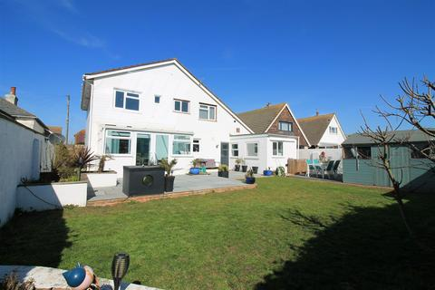 5 bedroom detached house for sale - The Meadway, Shoreham Beach
