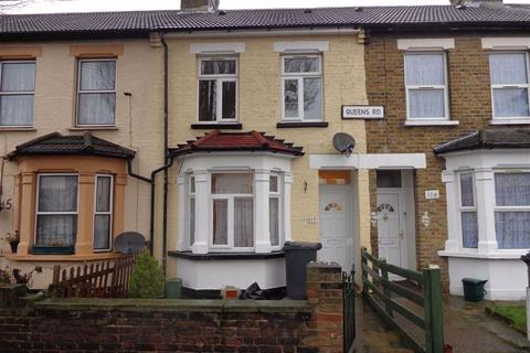 3 bedroom terraced house to rent - Queens Road, Southall, Middlesex