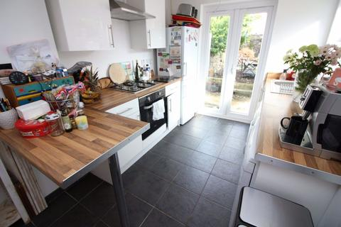 2 bedroom house to rent - Donald Street, Roath, Cardiff