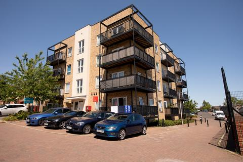 2 bedroom flat for sale - Osprey House, 109 Tay Road, Reading
