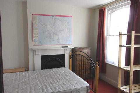 House share to rent - Donnington Road, Reading