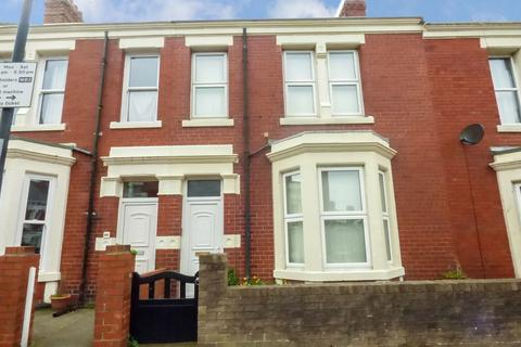 3 bedroom terraced house to rent - Oxford Street, Whitley Bay, Tyne and Wear, NE26 1AE