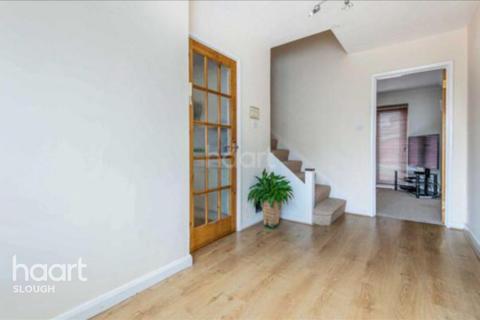 3 bedroom terraced house for sale - Grasmere Avenue, Slough