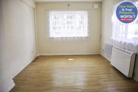 Studio to rent - Hurst Mews, Bedford
