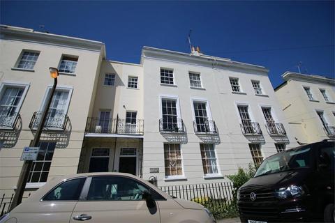 2 bedroom flat to rent - Montpellier Villas, Cheltenham