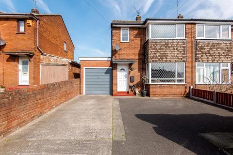 3 bedroom semi-detached house for sale - Altofts Lodge Drive, Altofts, WF6 2LD