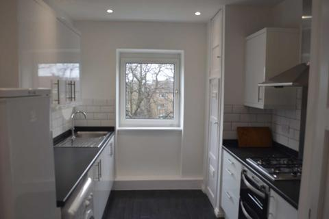 3 bedroom flat to rent - Barrmill Road, Glasgow