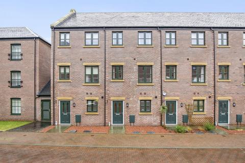 4 bedroom townhouse for sale - 3 Old Dalmore Terrace, Auchendinny, Penicuik EH26 0QD