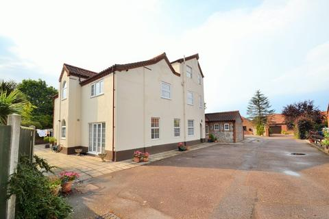 2 bedroom apartment to rent - Holt